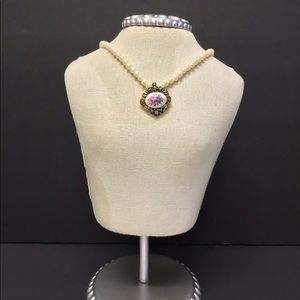 Vintage Avon Cameo and Faux Pearl Necklace